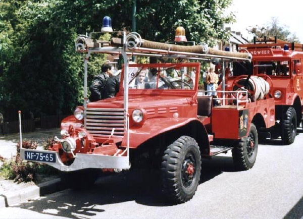 15501 1 Awesome Dodge Power Wagon Fire Truck