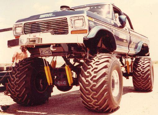 Vintage Bigfoot Monster Truck Photos