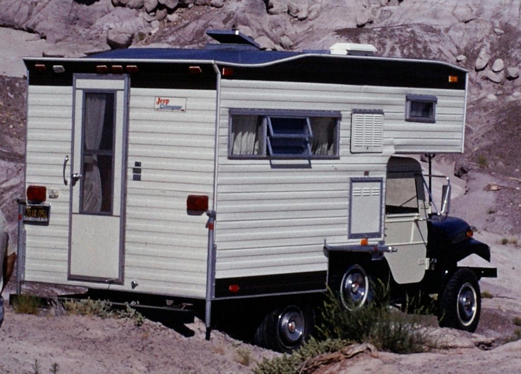 vintage photos jeep cj 5 camper almost rolling off cliff. Black Bedroom Furniture Sets. Home Design Ideas