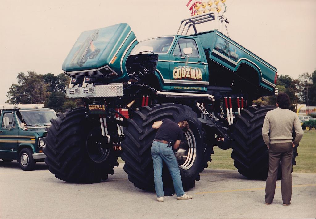 godzilla, godzilla monser truck, ford monster truck, monster truck