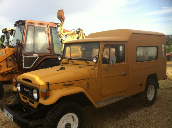 Modified 1983 Toyota Landcruiser Fj45 Troopy