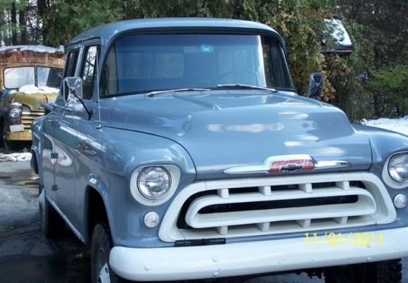 1957_Chevrolet_NAPCO_4x4_2