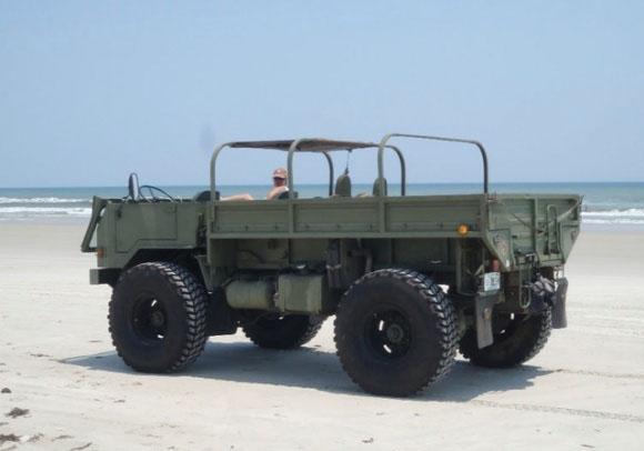 1986_TAM_110_Bosnian_Border_Patrol_Truck_Rear