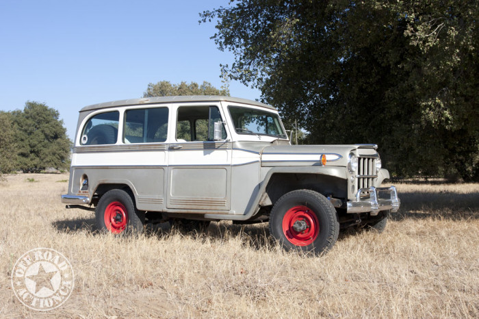 1962-willys-maverick-wagon-off-road-action-01