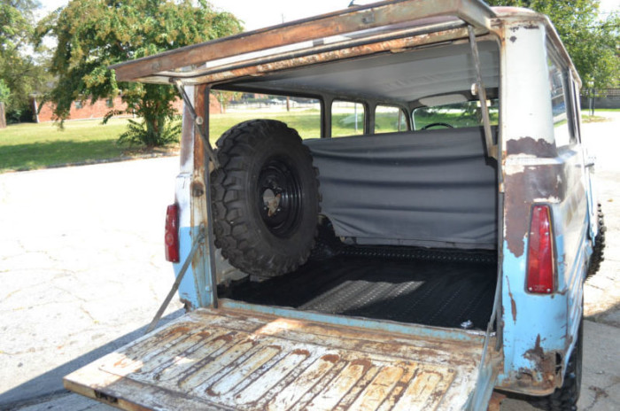 1963-Toyota-FJ45LV-off-road-action-4