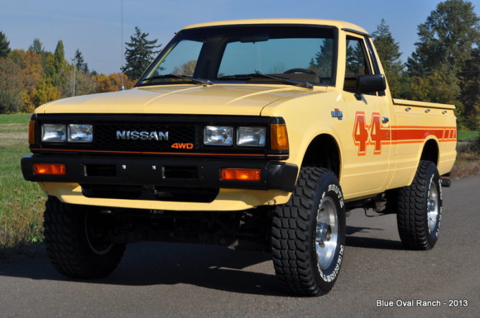 1983_Nissan_Datsun_4x4_Pickup_off_road_action_005