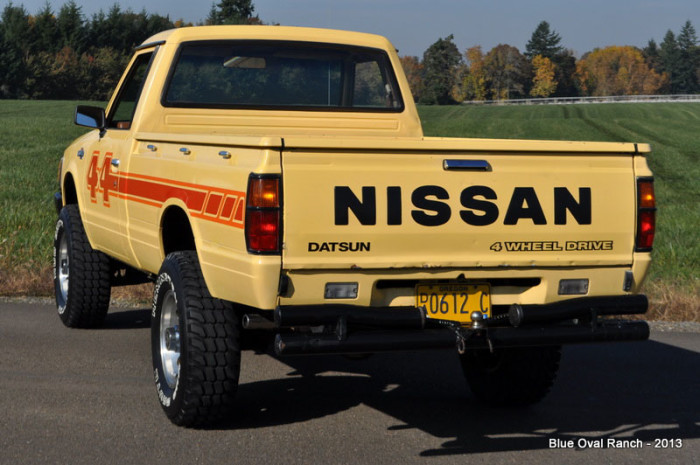 1983_Nissan_Datsun_4x4_Pickup_off_road_action_036