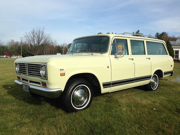 1972_International_Harvester_travelall_1
