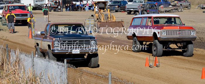 2013-turkey-shootout-at-the-speedway-off-road-action-nov_10