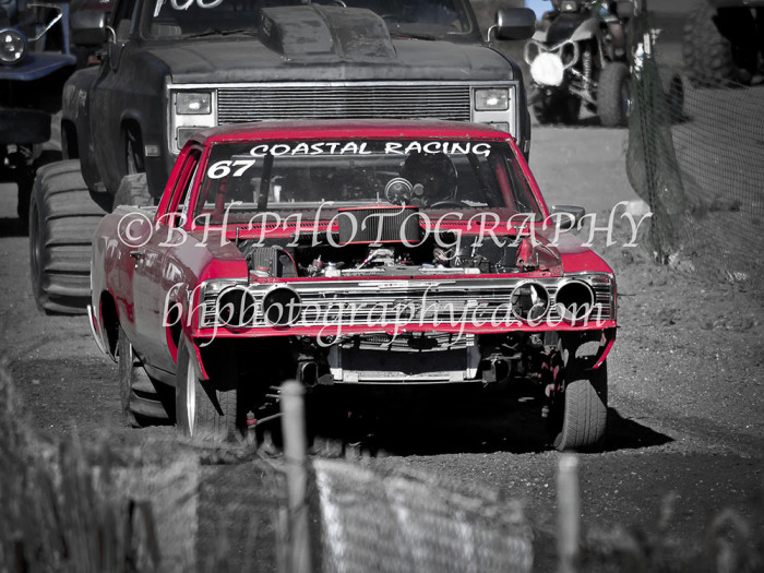 2013-turkey-shootout-at-the-speedway-off-road-action-nov_11