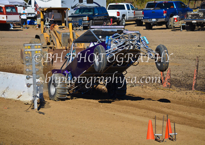 2013-turkey-shootout-at-the-speedway-off-road-action-nov_15