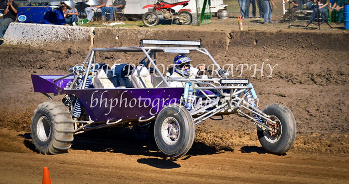 2013-turkey-shootout-at-the-speedway-off-road-action-nov_17