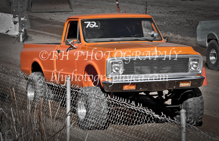 2013-turkey-shootout-at-the-speedway-off-road-action-nov_18