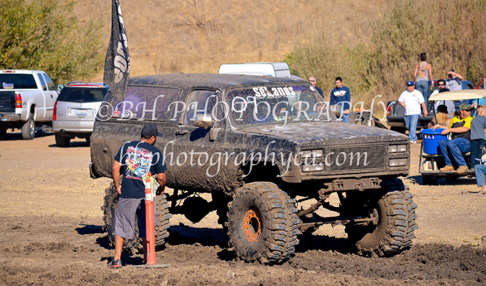 2013-turkey-shootout-at-the-speedway-off-road-action-nov_19