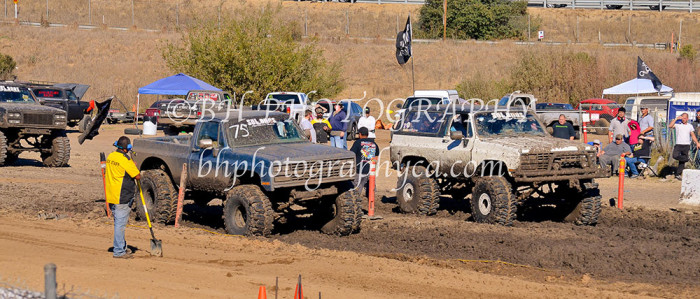 2013-turkey-shootout-at-the-speedway-off-road-action-nov_23