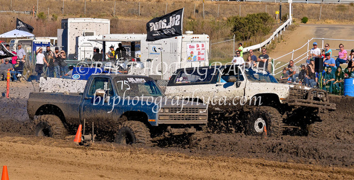 2013-turkey-shootout-at-the-speedway-off-road-action-nov_24
