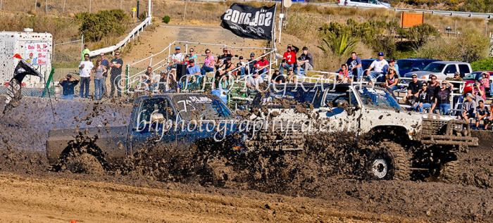 2013-turkey-shootout-at-the-speedway-off-road-action-nov_25