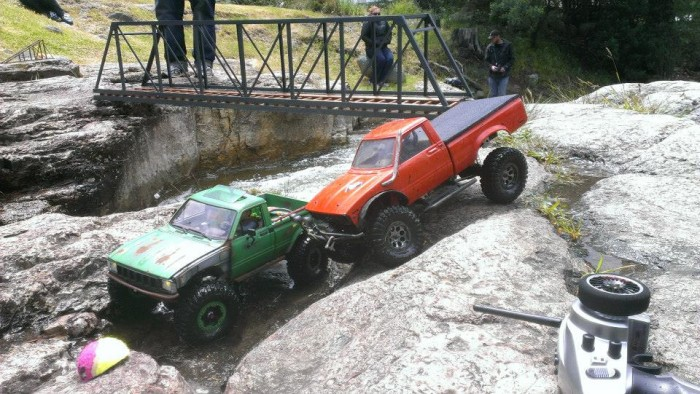 deluxrc_trrc_off_road_action_04