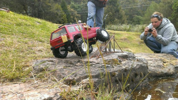 deluxrc_trrc_off_road_action_05