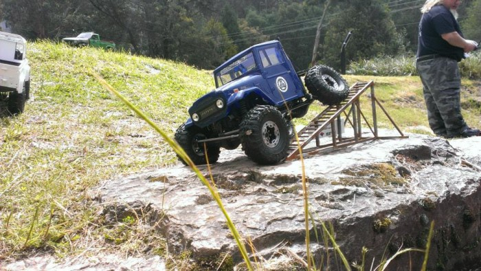 deluxrc_trrc_off_road_action_12