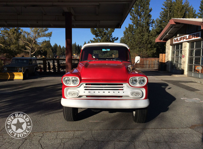 lake_tahoe_1959_chevy_apache_off_road_action_2