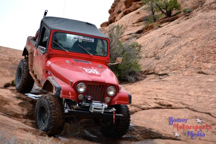 2014_moab_easter_jeep_safari_warn_06