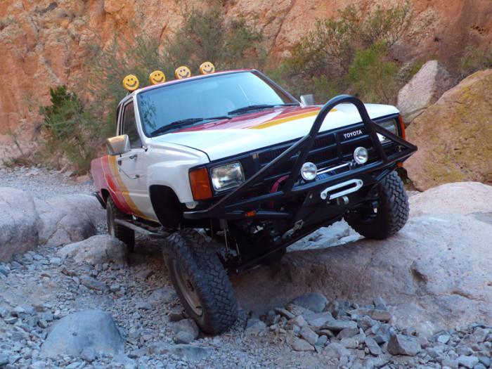 1984_restored_toyota_4wd_truck_02
