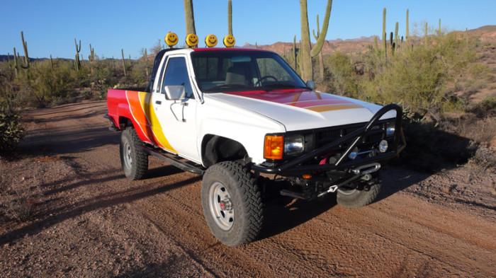 1984_restored_toyota_4wd_truck_04