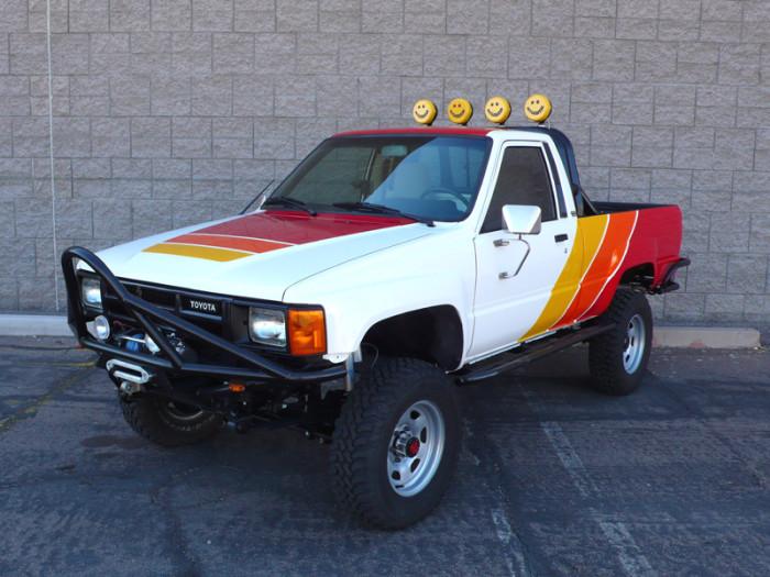 1984_restored_toyota_4wd_truck_05
