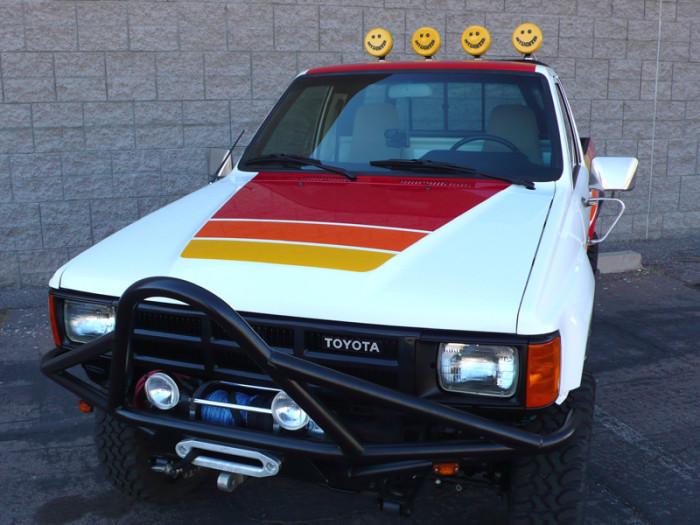 1984_restored_toyota_4wd_truck_06