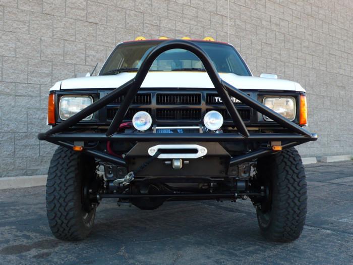 1984_restored_toyota_4wd_truck_07