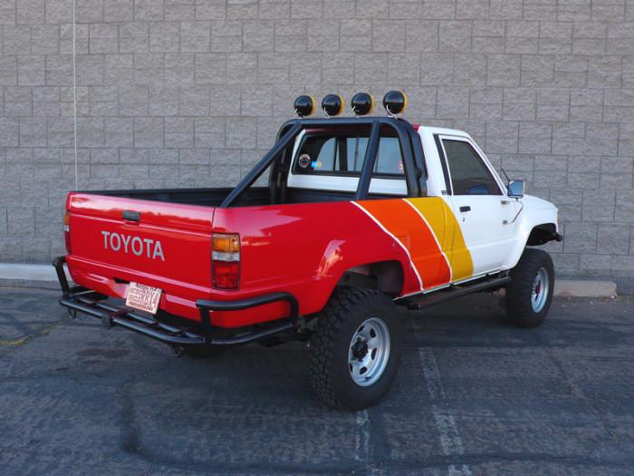 1984_restored_toyota_4wd_truck_10