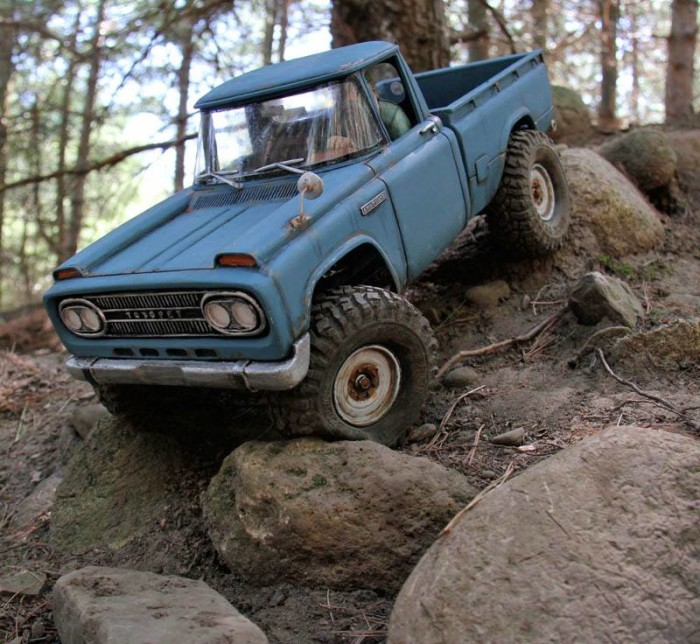 toyopet_stout_headquake_off_road_action_04