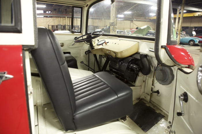 1963-Willys-Jeep-FC-170-cab