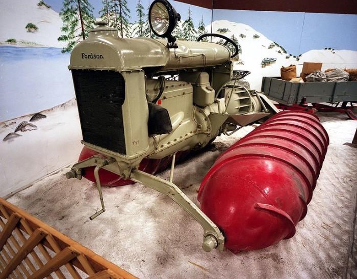 1926_Fordson_snowmobile