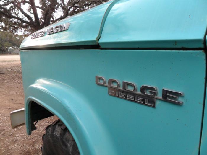 1964_dodge_w300_crew_cab_2