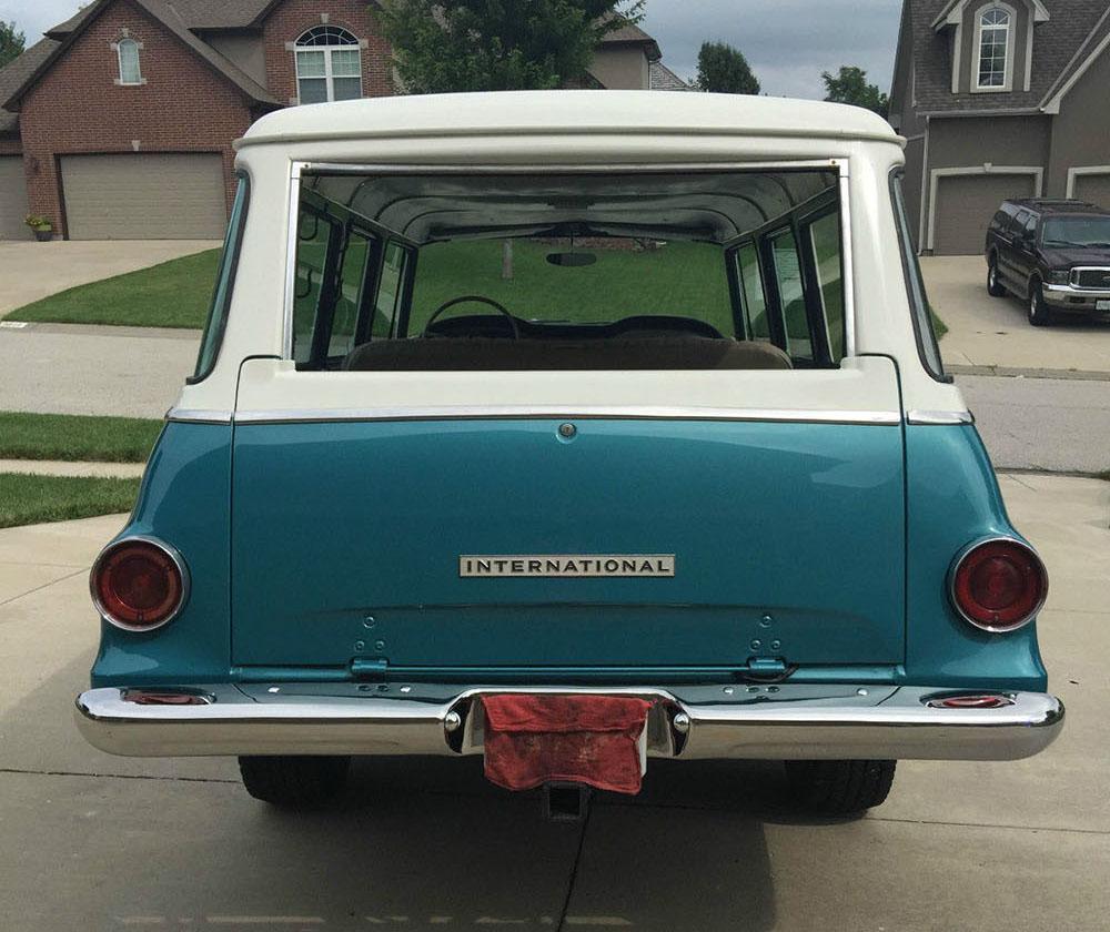 1968 4WD International Travelall