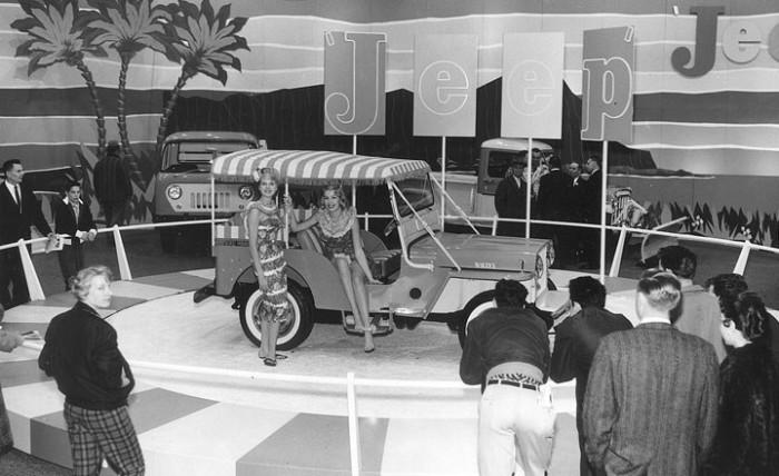 1960_Chicago_Auto_Show_jeep_2