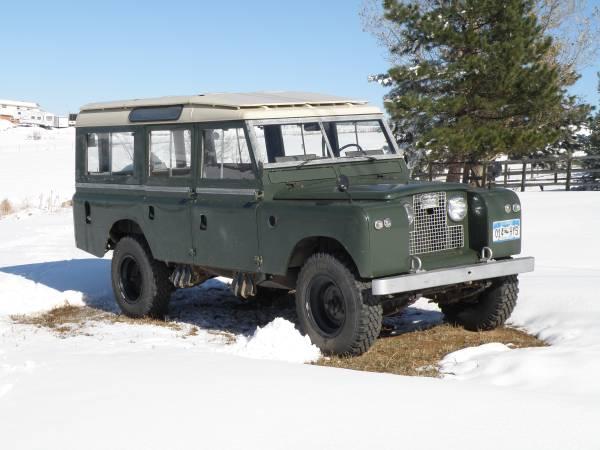 1967_Land_Rover_Series_IIa_01