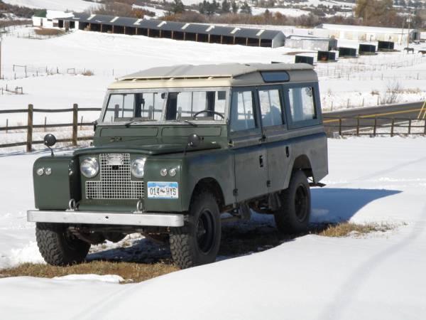 1967_Land_Rover_Series_IIa_02