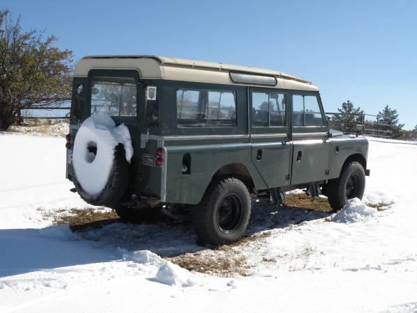 1967_Land_Rover_Series_IIa_03