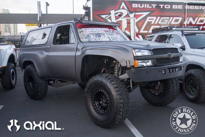 2015_sema_preview_axial_racing_off_road_action_06