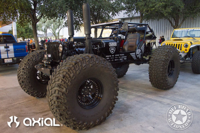 2015_sema_preview_axial_racing_off_road_action_14