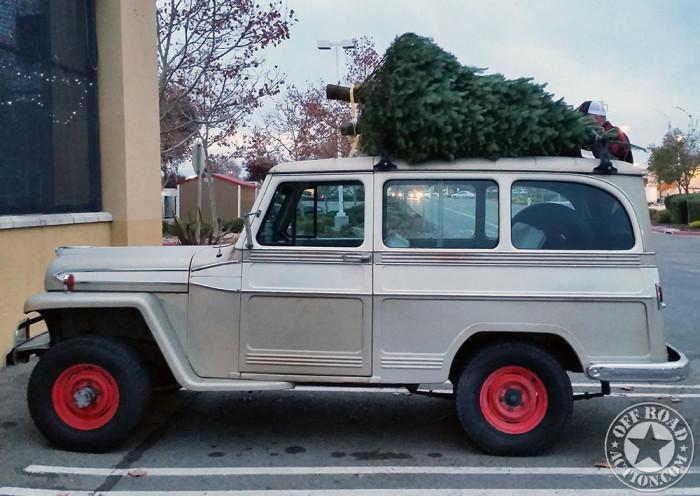 1962_willys_wagon_christmas_tree-1