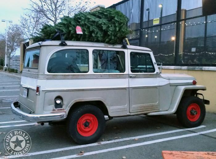 1962_willys_wagon_christmas_tree-2