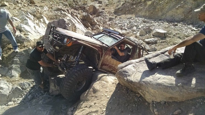 2016-king-of-the-hammers-vintage-rides-2-off-road-action_16