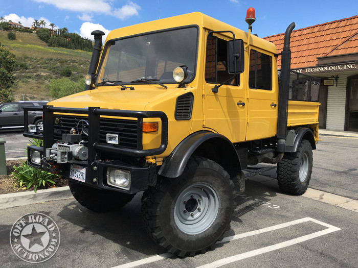 1990-unimog_off-road-action-01