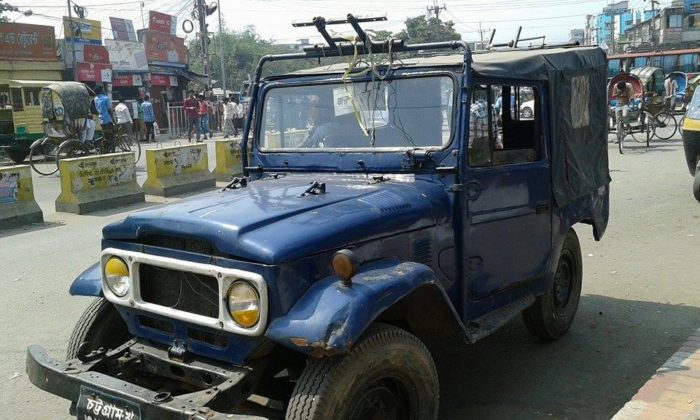 bangladesh-off-road-action-fj40-toyota-4