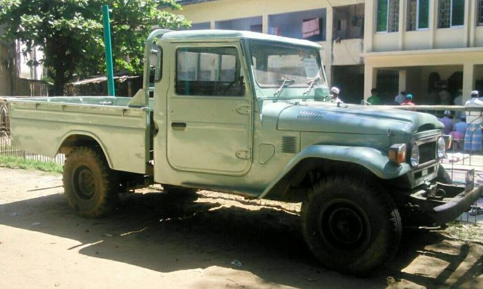 bangladesh-off-road-action-fj45-toyota-1