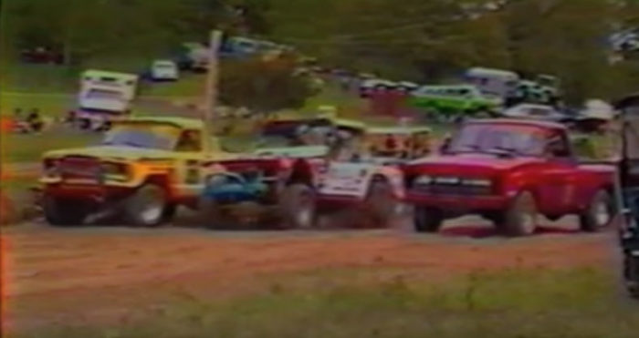 1983-1984-vintage-off-road-racing-dresser-wi